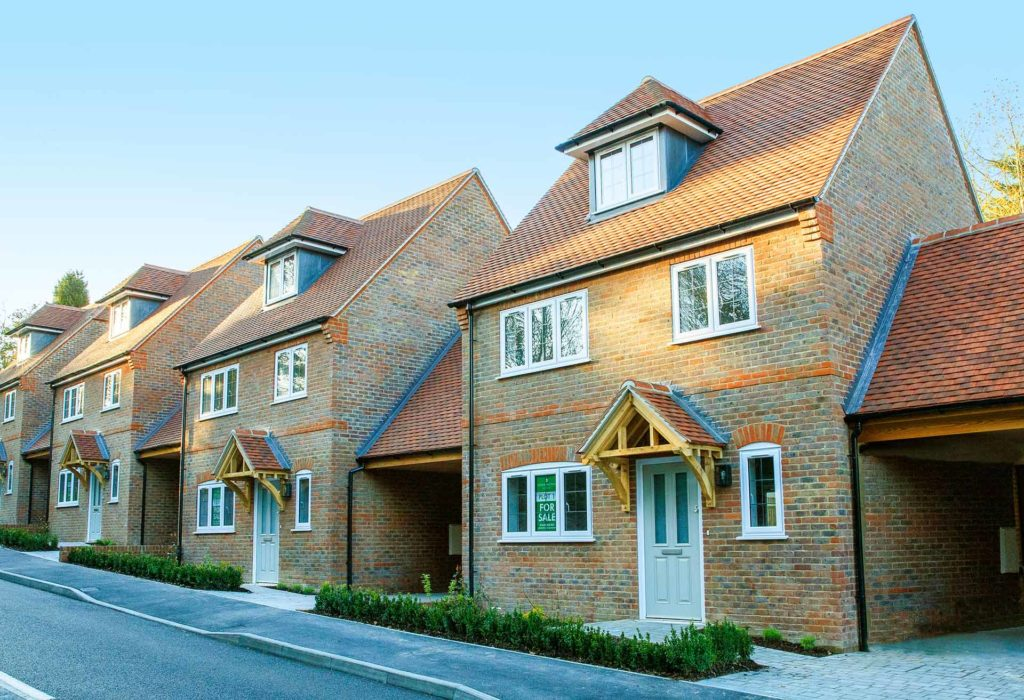 Donnington New Homes – Newbury Street houses from the road